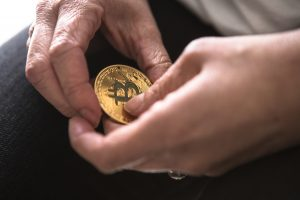 """Fundstrat's Tom Lee: $25k For Bitcoin (BTC) Still Possible, """"People Are Too Bearish"""""""